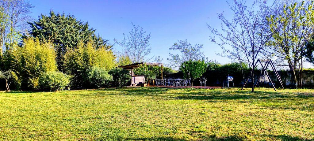 Grand espace végétalisé aux Coquilloux gîte et réception à Castelnau-le-Lez