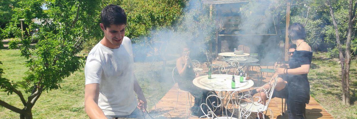 Plats régionaux sur commande Barbecue, Paëlla, Gardianne